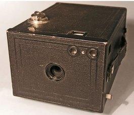 kodak-box-brownie-2-camera
