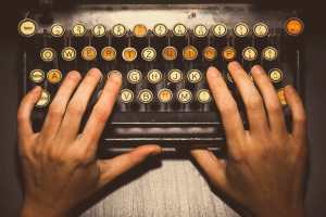 Vintage-typewriter-keyboard-